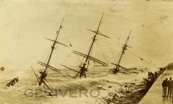 Fotografía anónima del naufragio de la fragata alemana Gneisenau en Málaga en 1900