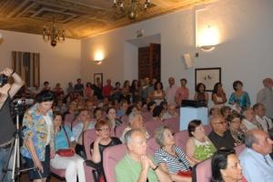 Aspecto del salón del Ateneo durante la conferencia (Fot. Darío Fernández)