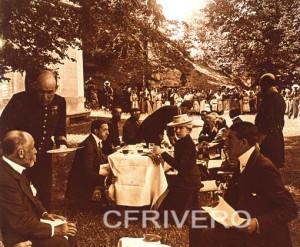 José Luis Demaría López - Campúa. [Almuerzo de campaña] Detalle. Estereoscopia. Gelatinobromuro sobre cristal, ca. 1910. (Col. Fernández Rivero)