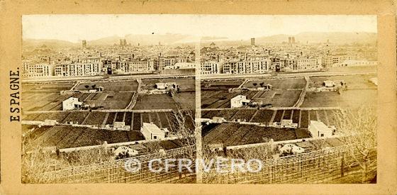 Vista panorámica de la Barcelona de 1857 desde Montjuich. Fot. de Sevaistre. (Col. Fernández Rivero)