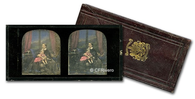 Daguerrotipo estereoscópico coloreado de una señora con una niña. ca. 1850. A. Claudet (Londres)s