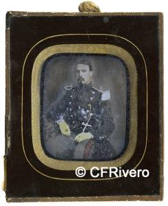 Daguerrotipo de José María Blanco (Cádiz) de un militar español, realizado hacia 1855. (Col. Fernández Rivero)