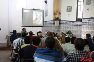 Juan Antonio Fernández Rivero en un momento de la Conferencia sobre el pareje de El Chorro. Octubre 2015