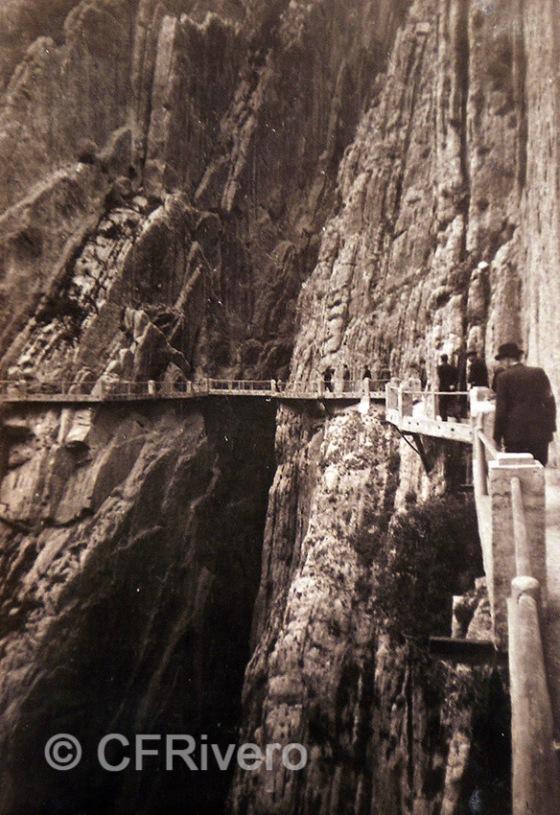 Anónimo. Caminito del Rey en el Desfiladero de los Gaitanes. Málaga. Gelatinobromuro, 1920