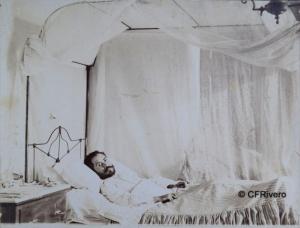 García, Manuel. Güines-Cuba. Retrato de Enrique Arboli, en su cama, Güines (Habana-Cuba). Gelatinobromuro. 1898