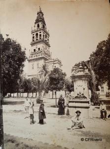 Levy et Cie., J. (Isaac Georges Levy 1833-1913) Paris. Córdoba, Mezquita patio y torre. Albúmina. 1855/1888, Albúmina