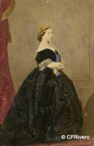 Clifford, Charles (1819-1863) Madrid. Retrato de la Reina Victoria de Inglaterra. Carte de visite en albúmina iluminada. 1861
