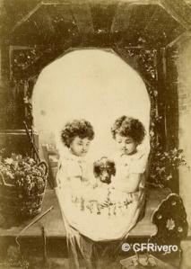 """Frankenstein, Michael (1843-1918) Viena. Reproducción del óleo de H. Ballheim """"Aujourd'huy et demain"""". Cabinet en albúmina. Ca. 1890"""