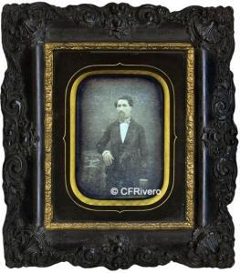 Auguste (Nimes-Francia). Retrato de caballero en un marco de madera tallada. Daguerrotipo. 1850/1860