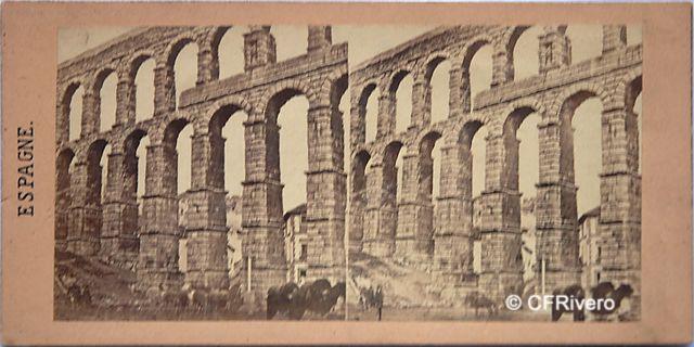 Gaudin et frères, A.(Activo 1855-1872) Paris. Acueducto de Segovia. Cartulina estereoscópica, albúmina. 1857