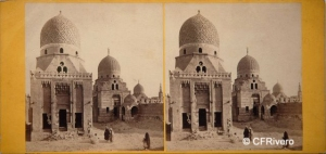 Good, Frank Mason (1839-1928) Londres. Egypt –  Cairo, Tombs of the Caliphs, near view. Cartulina estereoscópica, albúmina. Ca. 1865