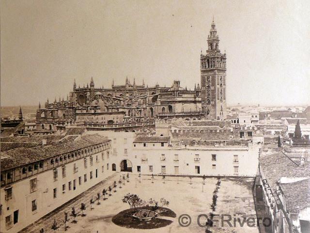 Frank M. Good. Sevilla, la Catedral desde el Alcázar. Albúmina, 1870/75