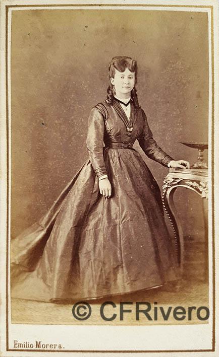 Emilio Morera. Retrato de joven señora. Carte de visite en albúmina. Barcelona, Ca. 1865.