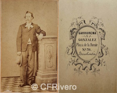 Garrorena y González. Retrato de hombre joven. Carte de visite en albúmina. Barcelona, 1861/62.