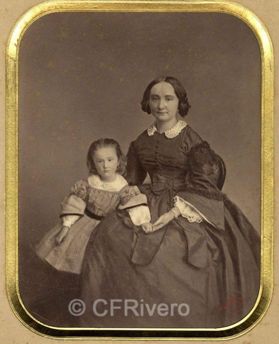 Nadar (Gaspard-Félix Tournachon). Retrato de una madre y su hija. París, 1860/65. Albúmina.