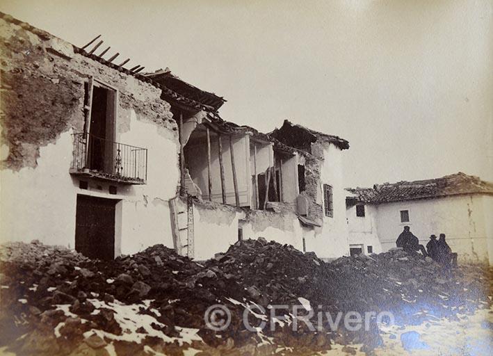 Leonardo Camps. Jayena, la casa grande, vista tomada desde la esquina de la iglesia. Jayena (Granada). 1885