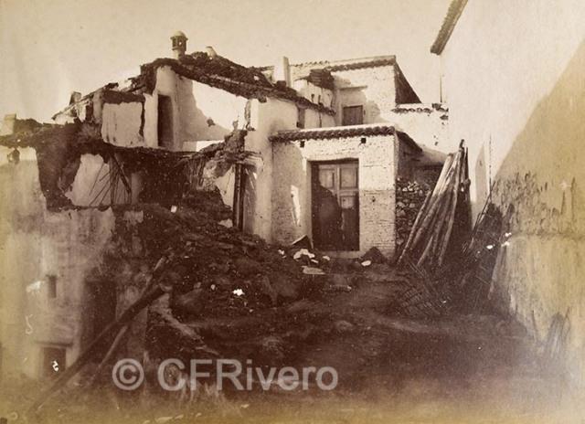 Leonardo Camps. Una calle de Canillas de Aceituno. (Málaga). 1885. Gelatina de plata.