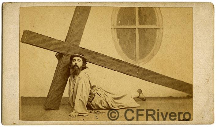 José Pavón y Gómez. Jesús con la cruz a cuestas. Sevilla, ca. 1870. Albúmina