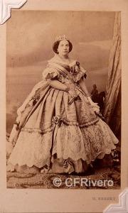Pedro Martínez de Hebert. Isabel II reina de España. Madrid, Ca. 1860. Carte de visite en albúmina.