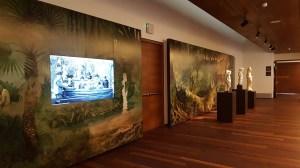 Museo de Málaga. Panel que integra un documental con fotografías históricas de la ciudad.