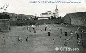 Andres Faber. Colegio San Estanislao, patio. Iglesia de El Palo al fondo. Tarjeta postal circulada en 1911