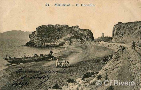Málaga, playa cerca de La Araña, al fondo la torre de las Palomas. Tarjeta postal editada por Andrés Fabert.