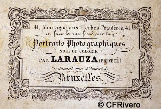 """Adolphe Guillaume Larauza. Dorso de la fotografía """"mujer con carta"""". Bruselas 1859-1865"""