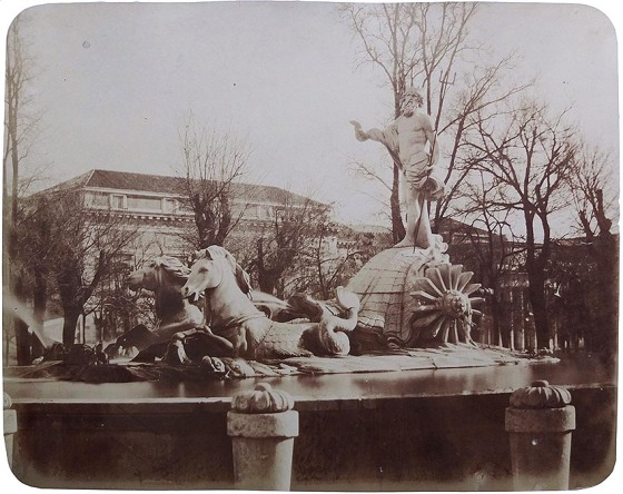 Charles Clifford. Madrid, Fuente de Neptuno. 1860-62 (Col. Familia Fierros)