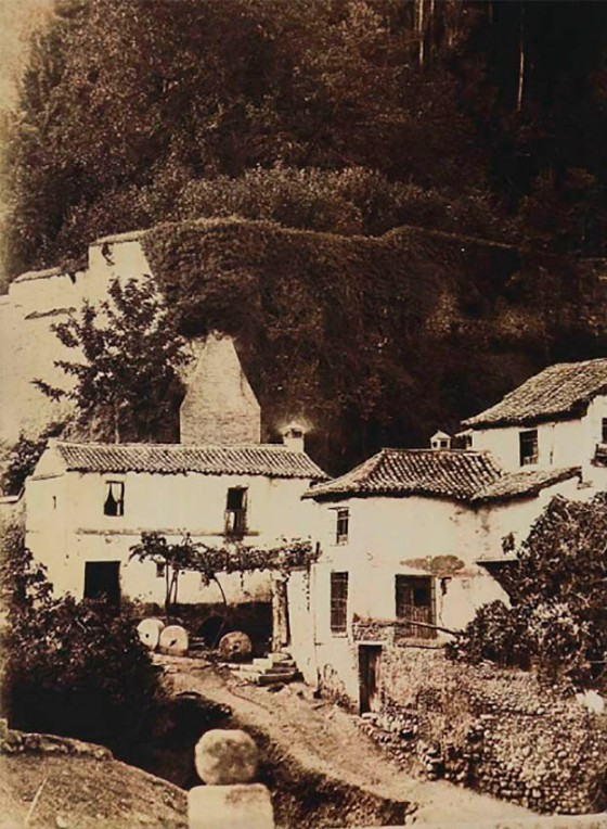 Charles Clifford. Granada, Cuesta del Rey Chico. 1858-62. Albúmina (Col. particular)