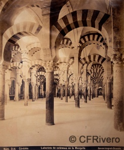 Rafael Garzón. Nº 514 Cordoba, laberinto de columnas en la Mezquita. Albúmina. Ca 1895