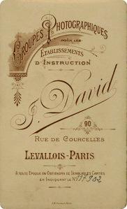 J. David. Dorso impreso. Paris h. 1885