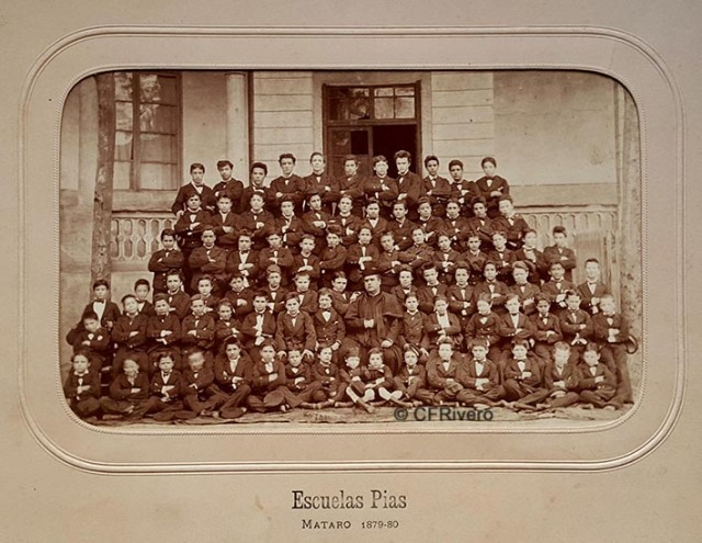 Jules David. Grupo de alumnos de las Escuelas Pías. Mataró (Barcelona). 1879. Albúmina