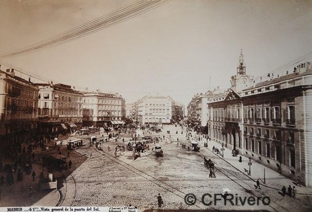 Jean Laurent. Nº 41Bis, Madrid, vista general de la Puerta del Sol. 1879. Albúmina (CFRivero)