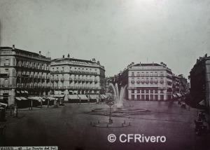 Jean Laurent. Nº 42, Madrid, Vue generale de la Puerta del Sol. 1866-70. Albúmina (CFRivero)