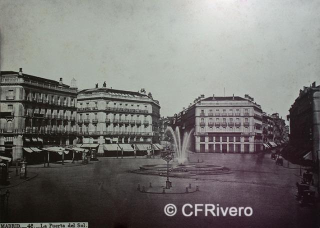 Jean Laurent. Nº 42, Madrid, la Puerta del Sol. Ca. 1864. Albúmina (CFRivero)