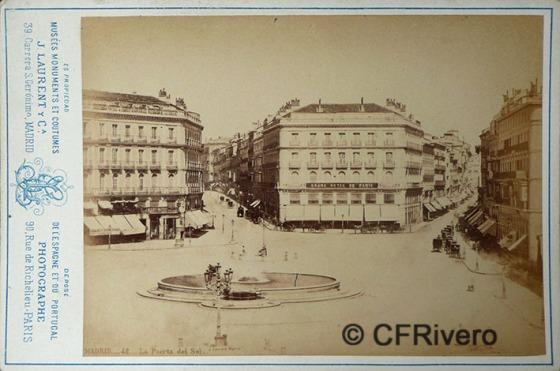 Jean Laurent. Nº 42, Madrid, la Puerta del Sol. 1866-70. Cabinet en albúmina (CFRivero)