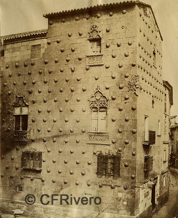 Luis Masson. Salamanca, Casa de las Conchas. Albúmina, ca. 1870 (CFRivero)