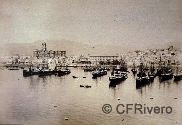 José García Ayola. Málaga desde la Farola Ca. 1880. Albúmina