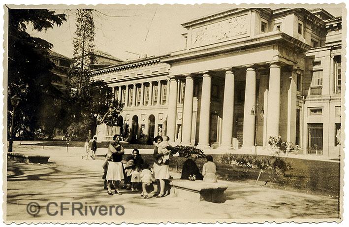 Villar. Madrid, Museo del Prado, fachada norte. H 1945. Gelatina de plata. (CFRivero)