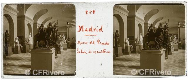 Autor desconocido. Madrid Museo del Prado, galería de escultura. 1915. Estereoscopia, gelatina de plata sobre vidrio. (CFRivero)
