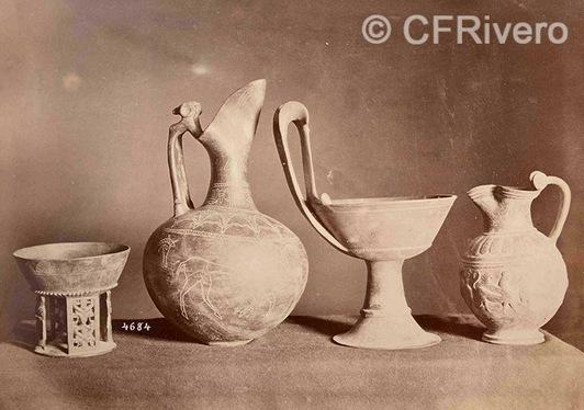 Francis Henry Bacon ?. Piezas de bucchero etrusco: Kyatos, enokoe, olpe. H. 1880d. Albúmina (CFRivero)