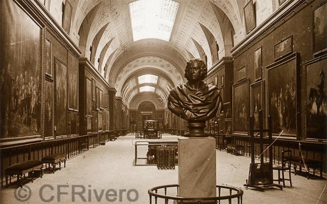 Autor desconocido. Madrid Museo del Prado, Galería Principal con el busto de Goya de Gaetano Merchi. 1915. Detalle de un par estereoscópico, gelatina de plata sobre vidrio. (CFRivero)