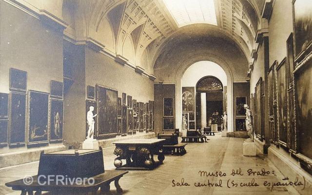Hauser y Menet. Madrid, Museo del Prado, Sala Central, Escuela Española. ca. 1930. Tarjeta Postal en impresión fotomecánica (CFRivero)