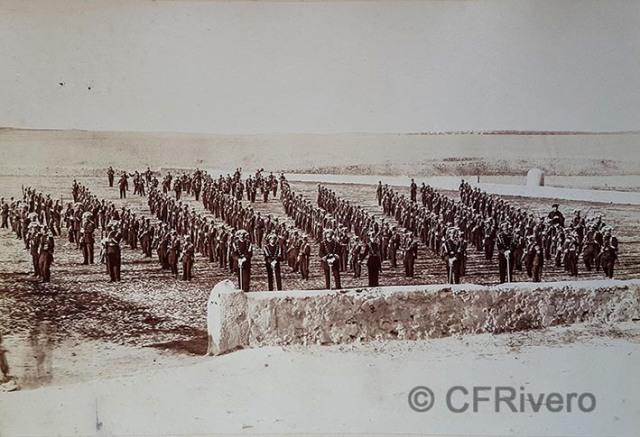 Jean Laurent y Cía. [Colegio de Guardias Jóvenes] Formación. Valdemoro (Madrid), 1878. Albúmina (CFRivero)