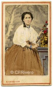 Villroy Richardson. Retrato de Carolina de Gutiérrez. Carte de visite en albúmina iluminada. Lima, 8/5/1864 (CFRivero)