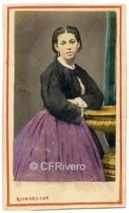 Villroy Richardson. Retrato de Margarita Carmelino. Carte de visite en albúmina iluminada. Lima 25/4/1864 (CFRivero)