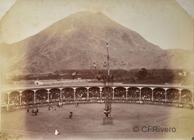 Autor desconocido. Plaza Firme de Toros de Hacho. Lima h. 1880. Albúmina (CFRivero)