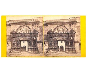 297. Frank Good. Córdoba, [Portada del palacio de los Páez]. Estereoscopia en albúmina. 1869