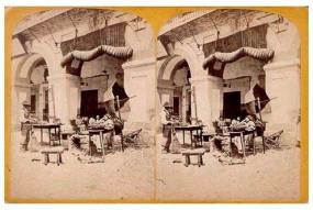 310. Frank Good. Córdoba. Una parte del mercado [Plaza de la Corredera]. Estereoscopia en albúmina. 1869