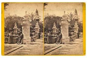 311. Frank Good. Córdoba, trajes típicos. [Fuente de Santa María. Mezquita]. Estereoscopia en albúmina. 1869
